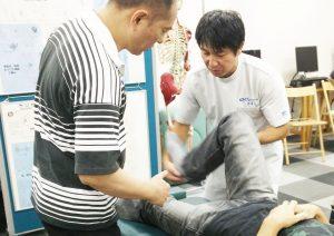 股関節、膝関節のモビリゼーション、ストレッチ